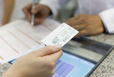 cómo comprar seguro médico